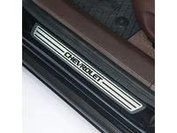 Chevrolet Cruze Front Door Sill Plates in Brushed Satin with Chevrolet Script in Black - 95136171