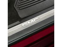GMC Sierra 1500 Front Door Sill Plates with Jet Black Surround and GMC Logo - 23114162