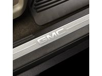 GMC Sierra 1500 Front Door Sill Plates with Cocoa Surround and GMC Logo - 23114161